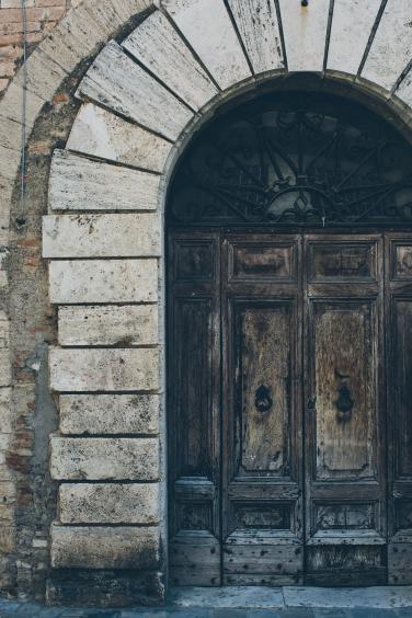 Narni doors (1 of 1)